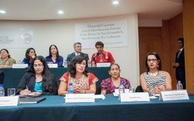 Firma del convenio para la Comisión Forense